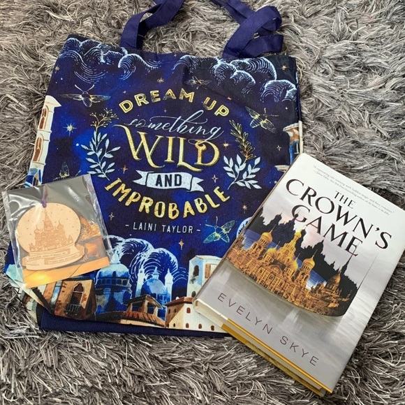 Bookish bundle with tote & Crowns Game
